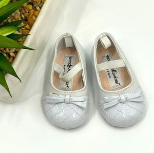 Wendy Bellissimo   Patent Leather Mary Jane, White
